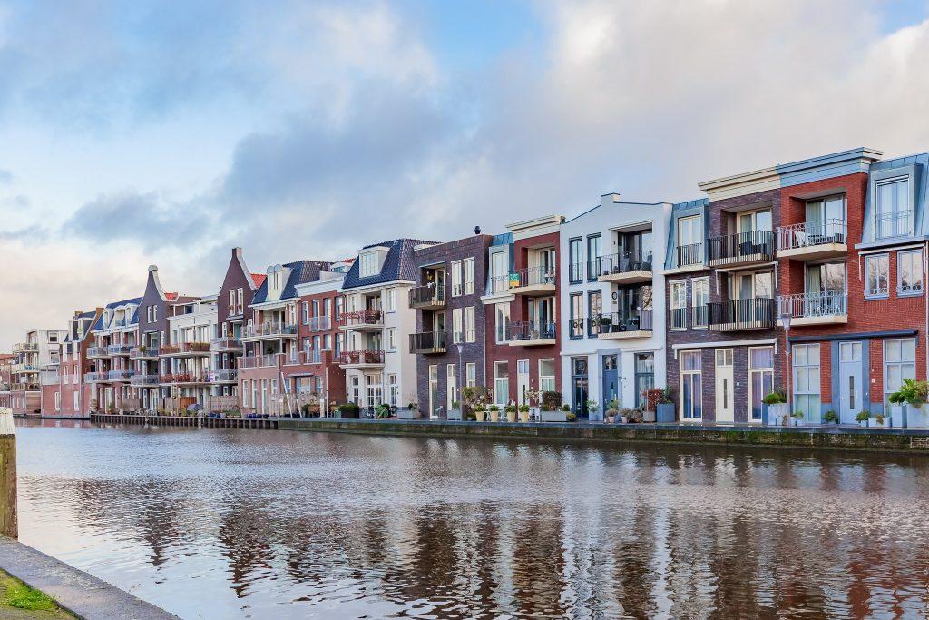 Alphen aan den Rijn  Hooftstraat 15a – Hoofdfoto